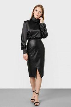 Long Leather Skirt, Leather Dresses, Black Leather, Leather Skirts, Sexy Skirt, Dress Skirt, Midi Skirt, Black Ruffle Skirt, Belle Silhouette