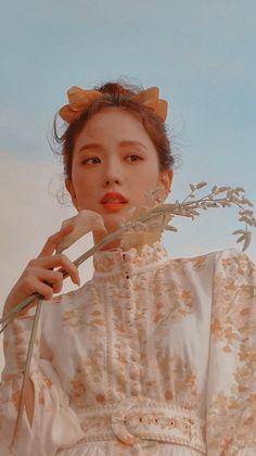 BLACKPINK💜JISOO Kpop Girl Groups, Korean Girl Groups, Kpop Girls, Yg Entertainment, Blackpink Members, Idole, Black Pink Kpop, Blackpink Photos, Girl Photos
