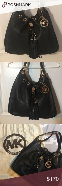 Michael Kors Leather Bag Michael Kors Leather Bag - like new without tags, used twice- black leather - with clothe MK dust bag - all hardware is intact - smoke & pet free home. Michael Kors Bags Shoulder Bags
