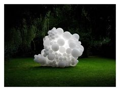 Poetic, dreamlike images of landscapes invaded by inflatable white balloons – Charles Petillon Land Art, Charles Petillon, Art Environnemental, Modern Art, Contemporary Art, Instalation Art, Balloon Installation, Art Deco, Colossal Art