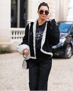 Entre desfile y desfile así es es el estilo 'off duty' de #KendallJenner. : @harpersbazaarus #PFW #model #streetstyle #style #fashion #cool  via MARIE CLAIRE MEXICO MAGAZINE OFFICIAL INSTAGRAM - Celebrity  Fashion  Haute Couture  Advertising  Culture  Beauty  Editorial Photography  Magazine Covers  Supermodels  Runway Models