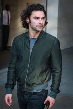"""Aidan Turner visits BBC Radio One Studios in London, UK to promote the new TV series of """"Poldark."""" This is a CRIMINAL case of hiding the hotness. Aidan Turner Kili, Aidan Turner Poldark, Aiden Turner, Ross Poldark, Aidan Turner Being Human, British Actresses, British Actors, Actors & Actresses, British Boys"""