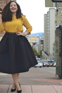 Styling midi skirts: How to combine the trendy skirts 2019 - Outfits Kinder - Kids Style Curvy Girl Fashion, Look Fashion, Skirt Fashion, Fashion Outfits, Fashion Night, Fashion News, Fashion Brands, Best Plus Size Clothing, Plus Size Dresses