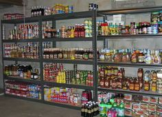 Emergency Prepper's Pantry Storage Guide For Outlasting When SHTF; The Facts On Rudimentary Elements For Prepping A Pantry - Sam's Prepping Survival Food, Survival Prepping, Emergency Preparedness, Prepper Food, Emergency Preparation, Emergency Food, Survival Quotes, Survival Stuff, Pantry Storage