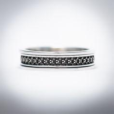 Ava is een Sterling zilveren ring met fantasie draad gemaakt door #Vinx #Hollands #Glorie uit #Amsterdam Neem ook eens een kijkje op onze website: http://hollandsgloriejewels.nl/collectie/