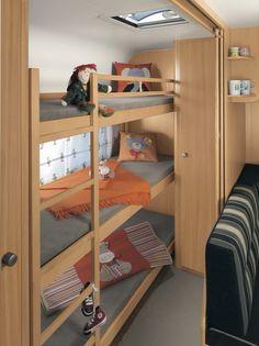 Caravan Makeover, Caravan Renovation, Van Conversion Interior, Camper Van Conversion Diy, Casita Camper, Rv Bunk Beds, School Bus Tiny House, Tyni House, Trailers