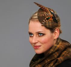very british! fascinator made with a lot of wild feathers
