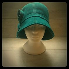 Kathy Jeanne Flt Hat Teal Blue felt hat with decorative right side bow (never worn) kathy Jeanne Accessories Hats