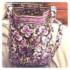 Vera Bradley travel bag Vera Bradley, good size for traveling. Great condition, lots of pockets on the inside Vera Bradley Bags Travel Bags