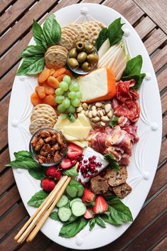 The Best Spring Cheese Board (cheese party) Plateau Charcuterie, Charcuterie And Cheese Board, Charcuterie Platter, Antipasto Platter, Cheese Boards, Cheese Board Display, Food Platters, Cheese Platters, Party Platters