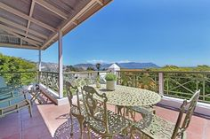 PenguinPlace Accommodation Near Boulders Penguin Beach in Simonstown sleeps 6. Two mins walk to Water's Edge. With penguins roaming the street. Close to Simonstown center. And an ideal place to launch your Cape Town holiday South Africa States, Cape Town Holidays, Boulder Beach, Large Beds, Hidden Beach, Holiday Places, Free Park, Double Beds, Bouldering