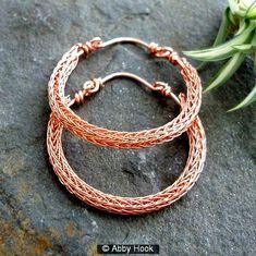 Another Abby Hook original, Viking Knit Hoop Earrings. - Another Abby Hook original, Viking Knit Hoop Earrings. Wire Wrapped Earrings, Copper Earrings, Copper Jewelry, Hoop Earrings, Rope Necklace, Copper Wire, Jewelry Crafts, Jewelry Art, Beaded Jewelry