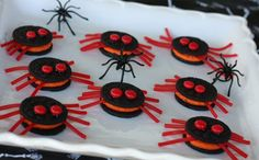 Divertidas y originales galletas de arañas, una receta ideal para preparar en Halloween.