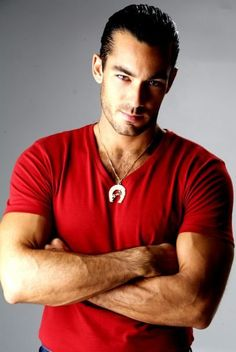 i like this t shirt it is my favorite color Aaron Diaz, Latino Actors, Telenovela Teresa, Sexy Tattooed Men, Eye Candy Men, Mexican Men, Latin Men, Awesome Beards, Man Images