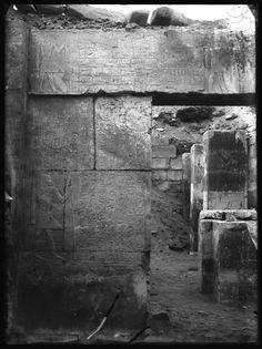 Plaque de verre S.28 - Saqqara, Mastaba de Nfr-sšm-rʾ, Montant de porte Sud