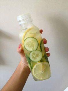 Skinny Body Fat Flush and Detox 1 cucumber 1 lemon 2 limes 1 bunch of mint Slice them all and divide the ingredients between four 24 oz water bottles and fill them up with filtered water. Drink daily Not only does this taste delicious and help flush fat, but it also counts toward your daily water intake! Lemons: Help in the absorption of sugars and calcium and cuts down your cravings for sweets. #weightlosstips