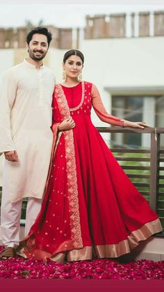 Indian Attire, Indian Ethnic Wear, Indian Wedding Outfits, Indian Outfits, Indian Dresses For Women, Indian Gowns Dresses, Engagement Dress For Bride, Dress Wedding, Indian Engagement Outfit