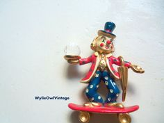 Vintage Spoontiques Pewter Clown on Skateboard by WylieOwlVintage, $9.50