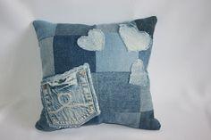 Kissen - Jeans-Kissen Patchwork mit Herzen und Tasche - ein Designerstück von Angelas_Kreativwelt bei DaWanda