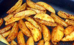 Piepers koken, in stukjes snijden, kruiden met Oregano en Paprika en bakken in koekenpan.