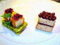 Challenge Apéro  foie gras 2014, biscuit pesto de roquette, cubes de foie gras en gelée de vin d'oranges, magret fumé émietté et cube de fois gras, ganache chocolat au balsamique, caviar de cacao au piment d'espelette et gomasio