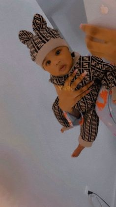 Black Baby Boys, Cute Black Babies, Beautiful Black Babies, Cute Little Baby, Pretty Baby, Cute Baby Girl, Cute Little Girls Outfits, Baby Boy Outfits, Cute Mixed Babies