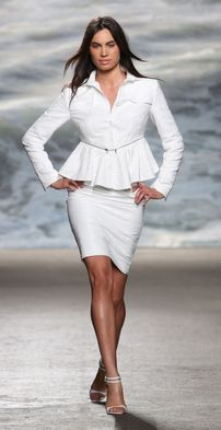 Our classic textured pencil skirt pairs well with Only Fashion, Womens Fashion, 3d Fashion, Business Attire, Casual Elegance, How To Feel Beautiful, Suits For Women, Peplum Dress, White Dress