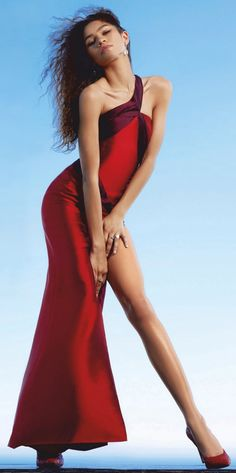 Zendaya Model, Zendaya Style, Zendaya Maree Stoermer Coleman, Celebs, Celebrities, Sexy Legs, Lady In Red, Beautiful People, Street Style