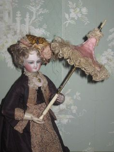 VERY RARE MAGNIFICENT ANTIQUE FRENCH FASHION DOLL PINK SILK/LACE PAGODA PARASOL!