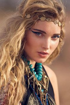 I really love this BOHO look. The head band is a must have!