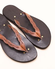 I have a thing for men in mediterranean-style sandals. Like these. Take note.