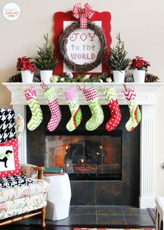 Traditional Christmas Mantel at Positively Splendid (Holiday Idea Exchange Pinterest Event!) #holidayideaexchange