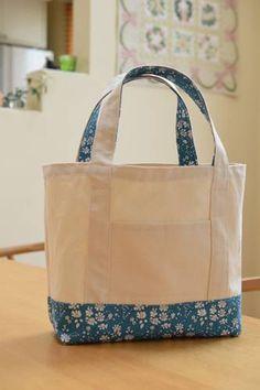 リバティのトートバッグを手作り☆ : happy-go-lucky -心地いい暮らしのコツ- Sewing Projects, Projects To Try, Patchwork Bags, Bag Patterns To Sew, Denim Bag, Popular Pins, Cosmetic Bag, Purses And Bags, Diaper Bag