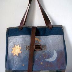 Sac cabas bleu irisé peint et jean recyclé , sac de créatrice , pièce unique :bluesky