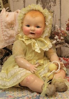 Big Horsman Dimples Baby Doll Composition cloth antique old vintage Old Dolls, Antique Dolls, Vintage Dolls, Pretty Dolls, Beautiful Dolls, Baby Doll Picture, Big Baby Dolls, Realistic Baby Dolls, Doll Repaint