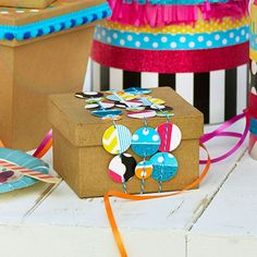 Give your gift box a pop of patterned pizazz - such a quick and easy idea! Washi Tape Confetti Embellished Gift Box