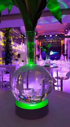 #leddecor #ledlighting #ledlights #tabledecorideas #tabledecor #weddingdecor #tablelightideas Led Centerpieces, Floral Arrangements, Glow, Vase, Table Decorations, Projects, Log Projects, Blue Prints, Flower Arrangement