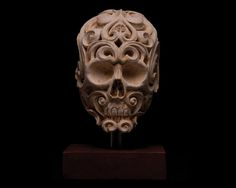 Ale-Amorin-skull-clay-labyrinth-sculpture-1.jpg (720×576)