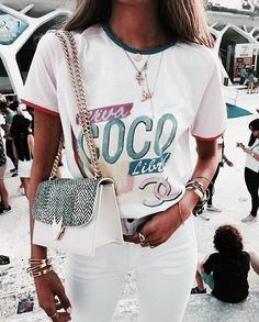 vintage graphic tee and white jeans - casual summer outfit