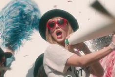 Video Premiere: Taylor Swift - 22