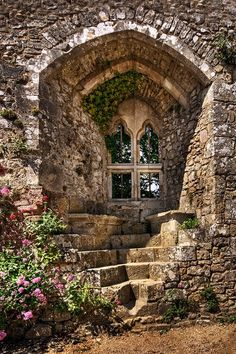 Isabella's window carisbrooke castle isle of wight England I thought this was a door, but it's a really great window with stone steps and seats outside. Wonderful texture and ambiance. Isabella's window carisbrooke castle isle of wight England. Beautiful Buildings, Beautiful Places, Beautiful Ruins, Beautiful Life, Amazing Places, Carisbrooke Castle, Abandoned Places, Stairways, Porches