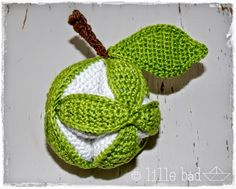http://de.dawanda.com/product/68395739-Greifball---Amish-Puzzle-Ball---Green-Apple