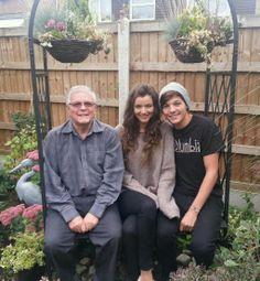 """This was on Keith Tomlinson's Twitter, and the caption was, """"Goodnight disbelievers #sorrylou #sorryel """" So, DO NOT TELL ME THAT ELOUNOR IS NOT REAL. <3"""