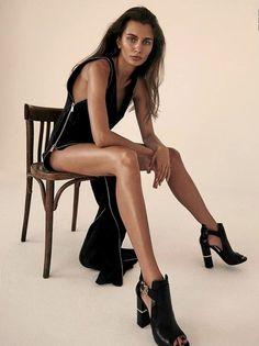 Roundcube Webmail :: 15 ideas in High fashion poses Fashion Models, Fashion Model Poses, Fashion Fashion, Vintage Fashion, Fashion Portraits, Fashion Glamour, Catwalk Fashion, Female Fashion, Bikini Fashion