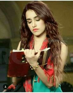 Hate you shraddha Kapoor Beautiful Bollywood Actress, Beautiful Indian Actress, Beautiful Actresses, Beautiful Celebrities, Indian Bollywood, Bollywood Stars, Indian Celebrities, Bollywood Celebrities, Sraddha Kapoor