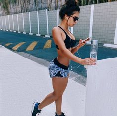 New sport motivation girl posts 51 ideas Sport Motivation, Fitness Motivation, Fitness Goals, Fitness Tips, Fitness Inspiration, Body Inspiration, Motivation Inspiration, Toned Legs Workout, Sexy Workout Clothes
