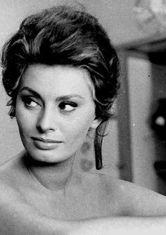 Sophia Loren photograhed by Alfred Eisenstaedt, 1961.