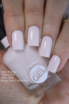 "Sally Hansen Miracle Gel ""After Altar"" (Pastel Pink Collection)"