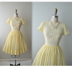 50s Summer Dress // Vintage 1950's Embroidered Lemon Casual Garden Party Mad Men Dress XS