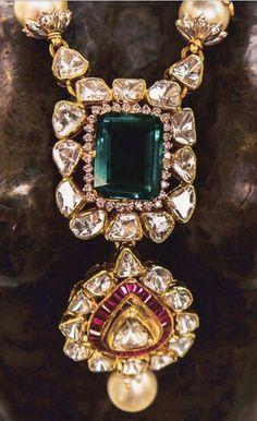 Sagar Jewellers Fancy Jewellery, Stylish Jewelry, Jewelry Accessories, Diamond Jewellery, Indian Jewelry Sets, India Jewelry, Bridal Jewelry, Beaded Jewelry, Emerald Jewelry